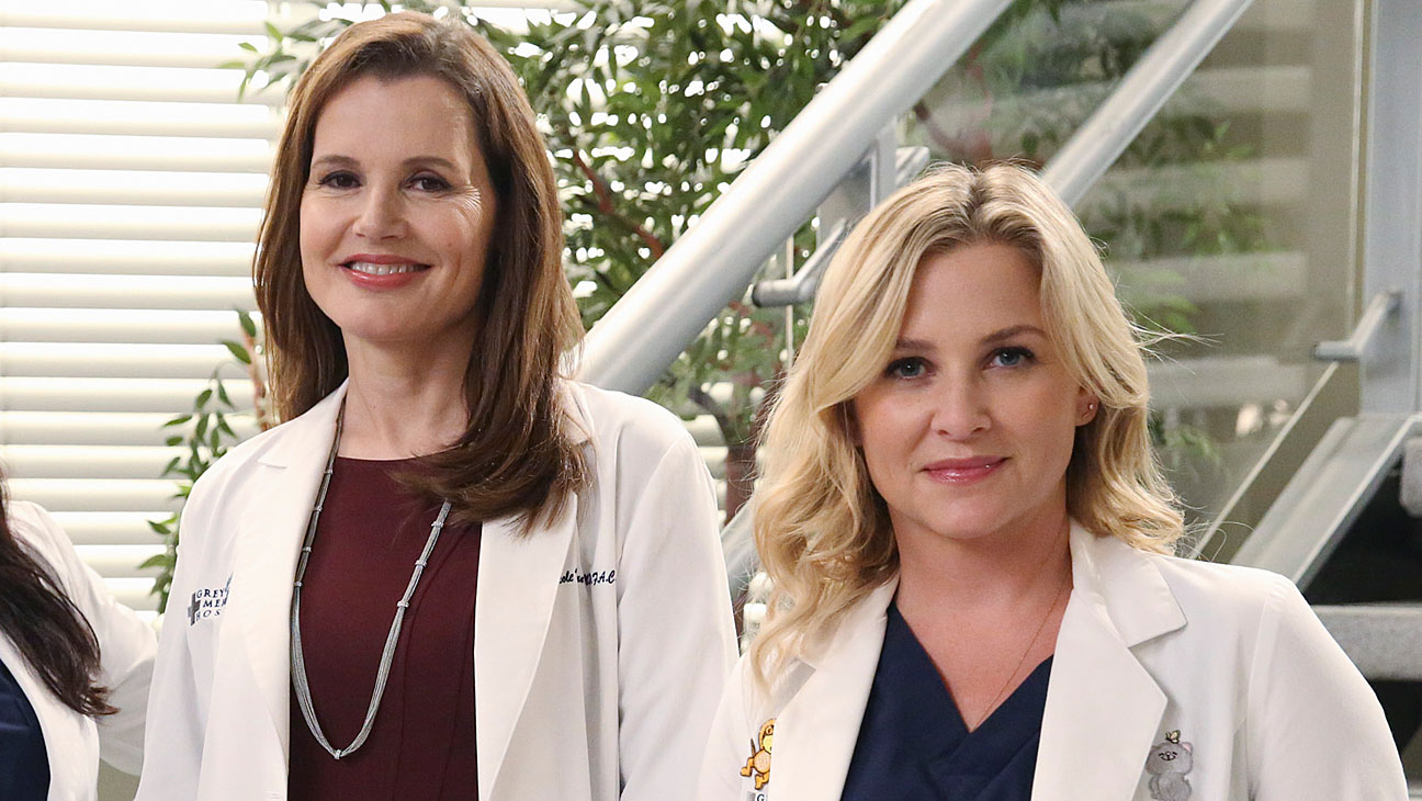 Grey S Anatomy S Jessica Capshaw Arizona Is Torn By Dr Herman S Secret Hollywood Reporter