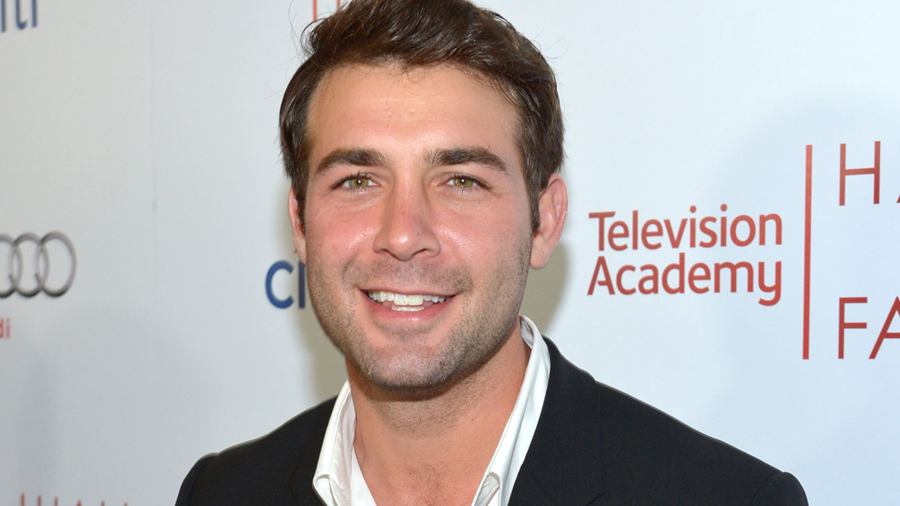 James Wolk To Star In Cbs Zoo Hollywood Reporter