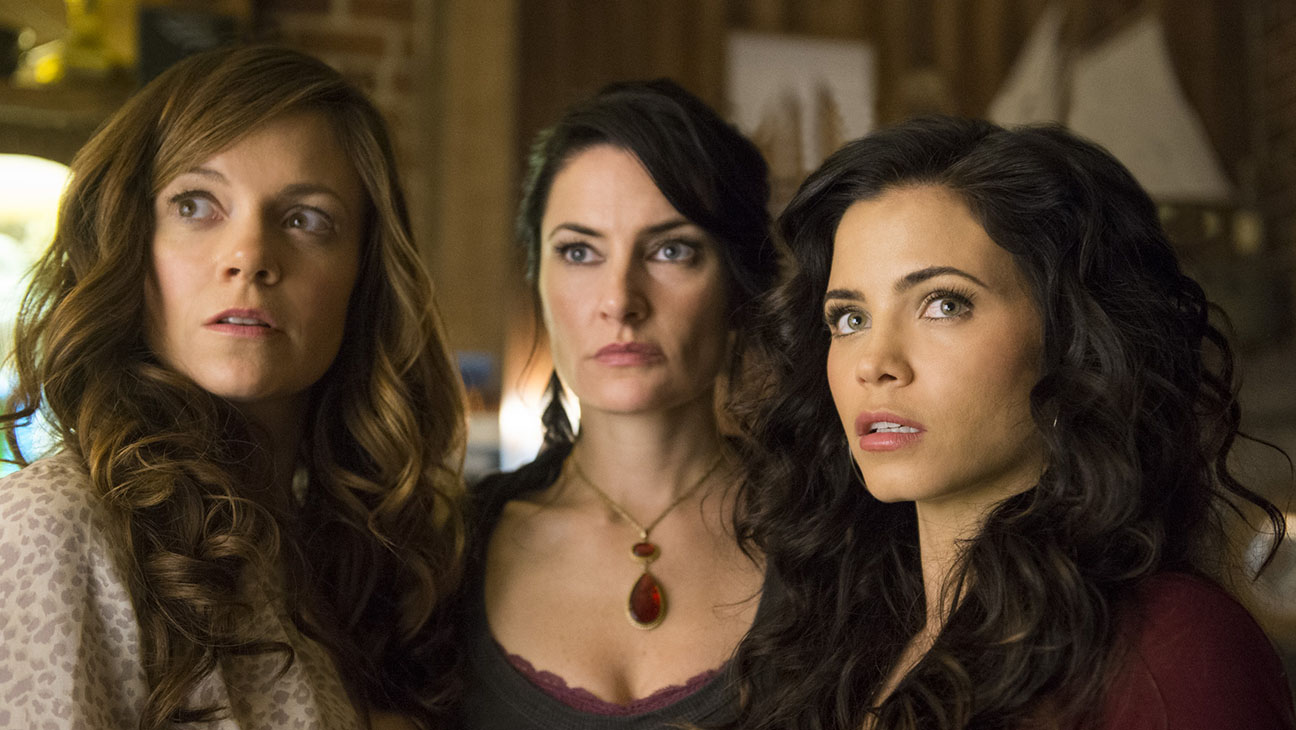 Witches of East End Still - H 2014