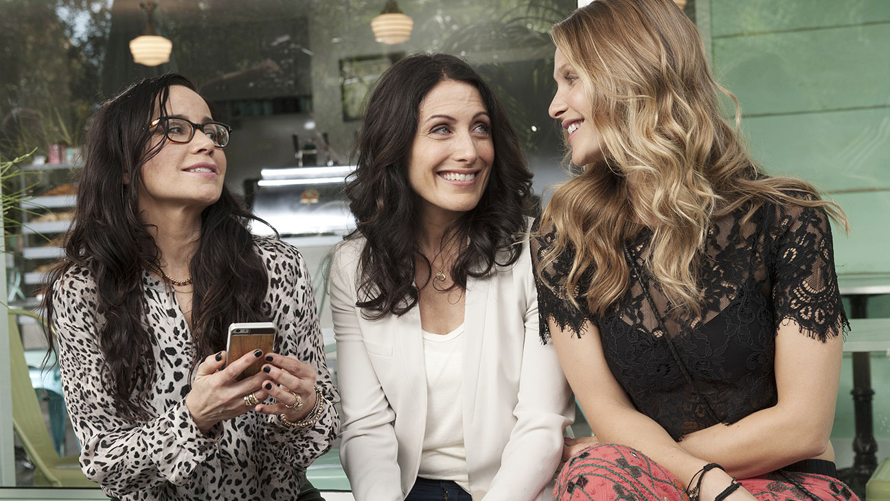 Girlfriends Guide to Divorce Still - H 2014