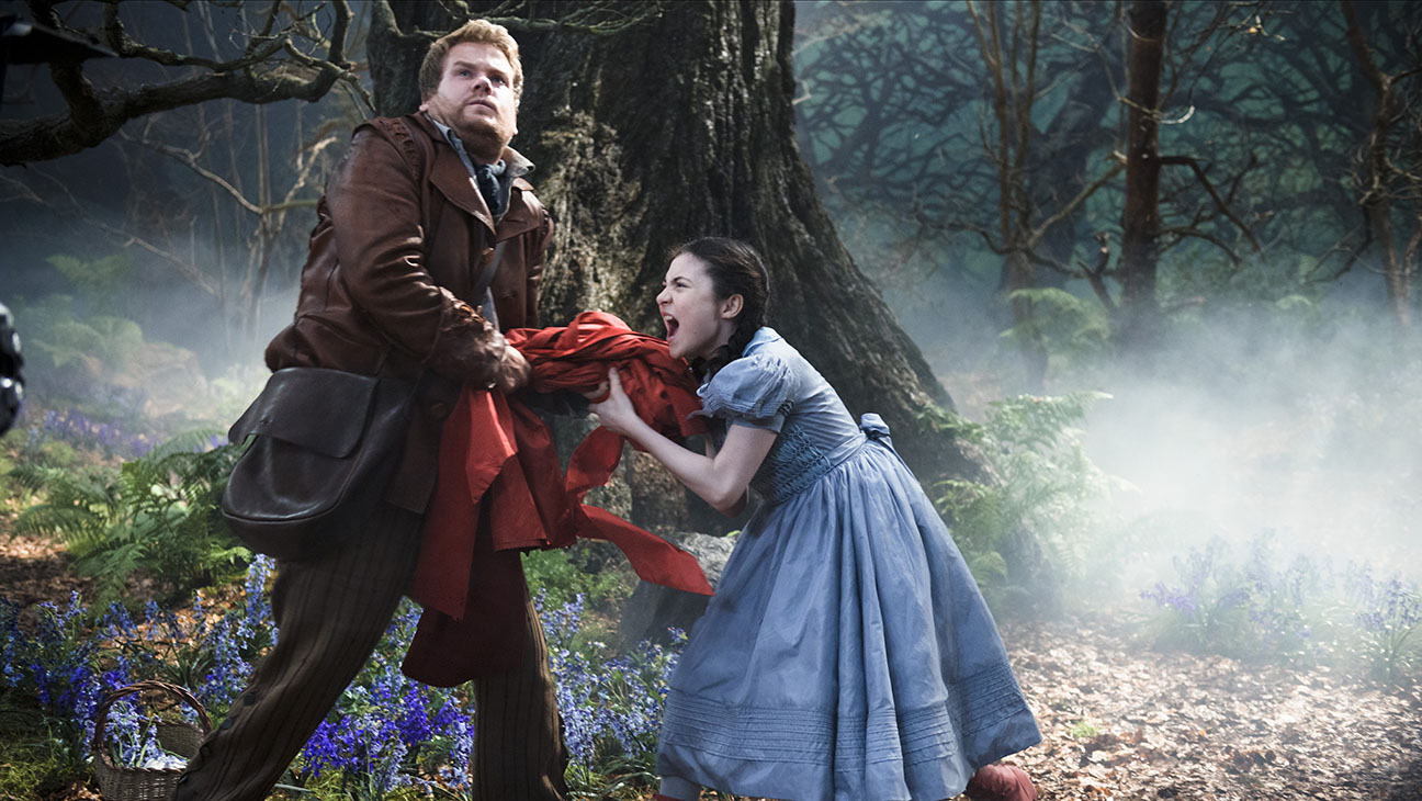 Into the Woods Still 2 - H 2014