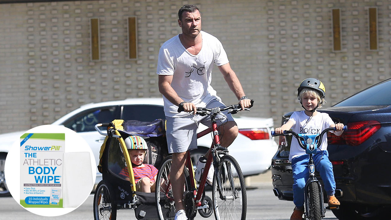 Liev Schreiber and sons Athletic Wipe Inset - H 2014