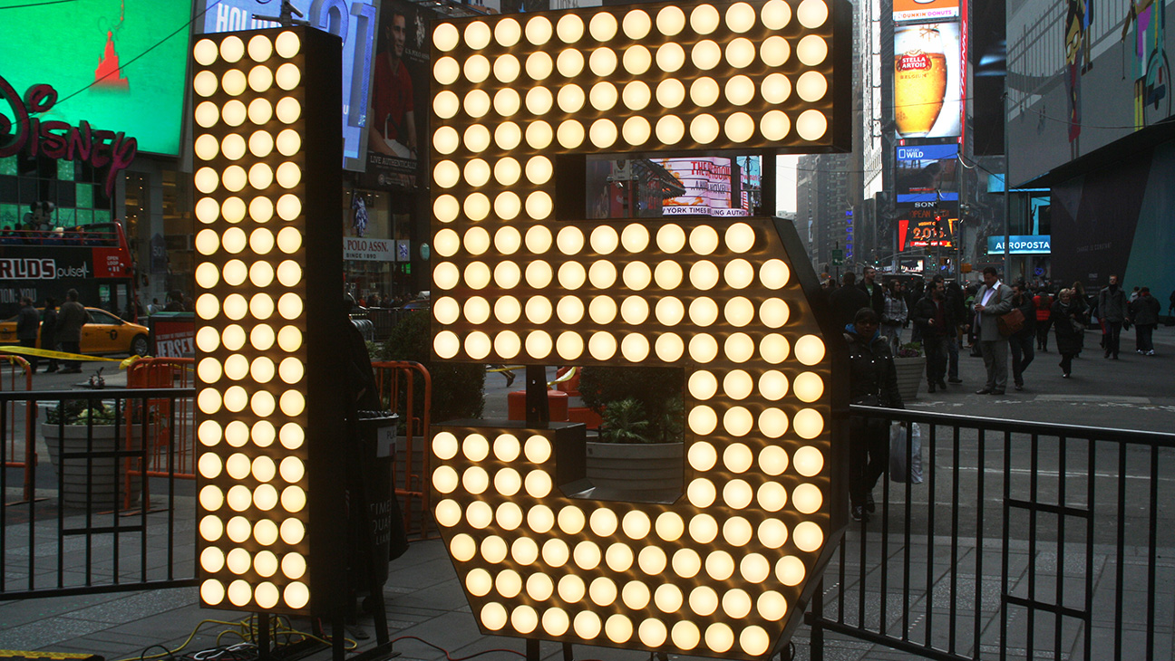 New Year's Eve Prep in Times Square - H 2014