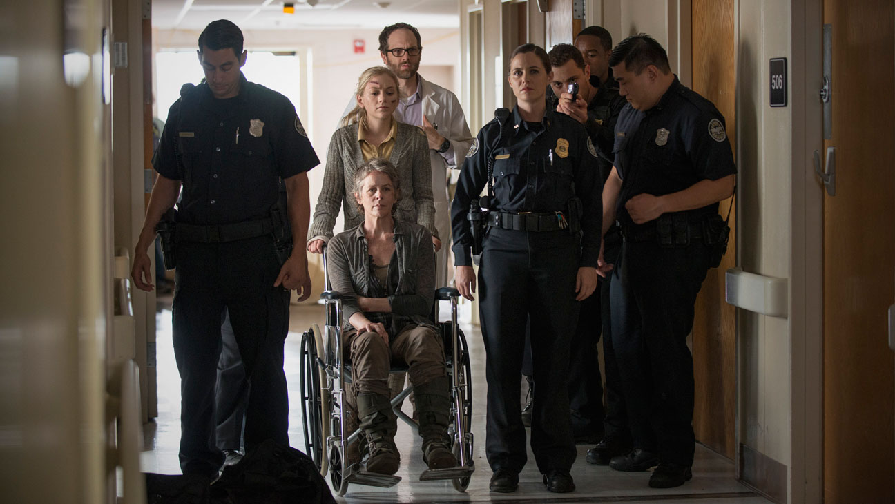 Walking Dead Group Carol - H 2014
