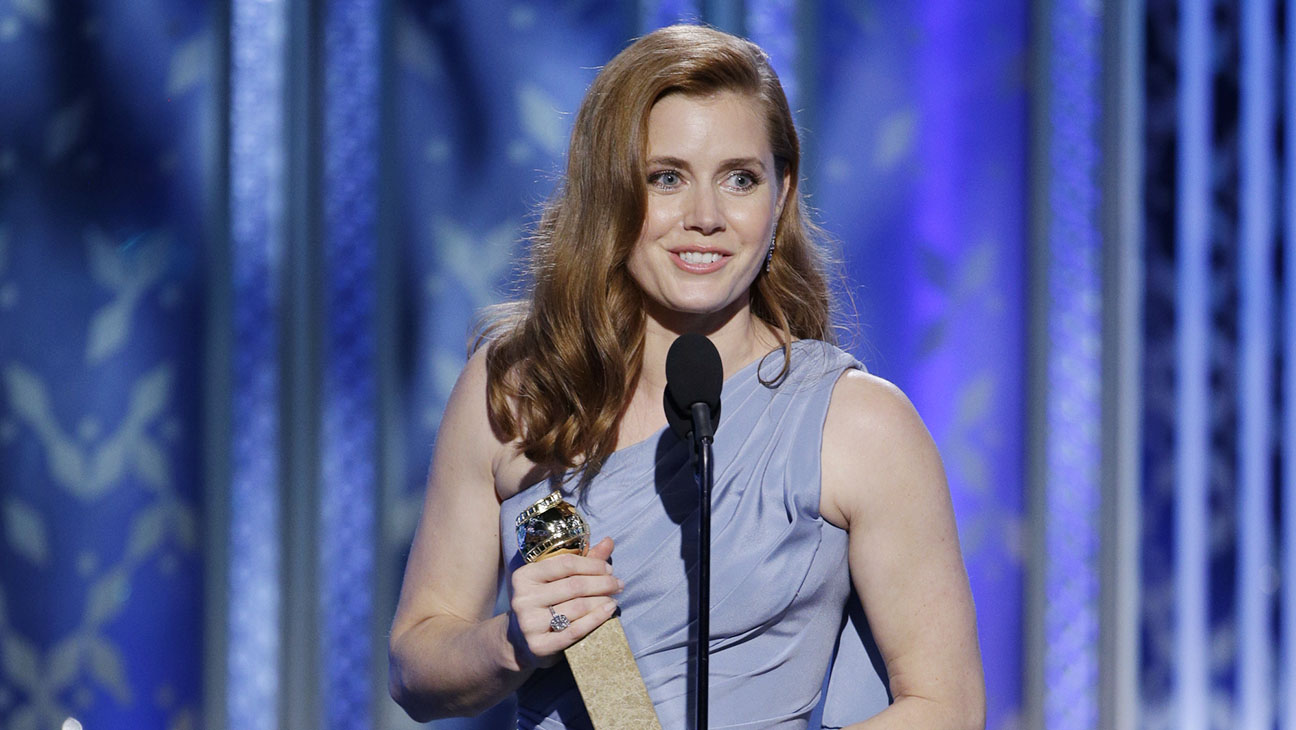 Amy Adams Onstage Golden Globes - H 2015