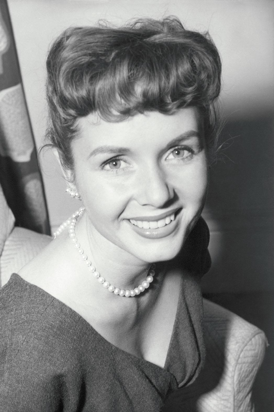 Debbie Reynolds - P 2015