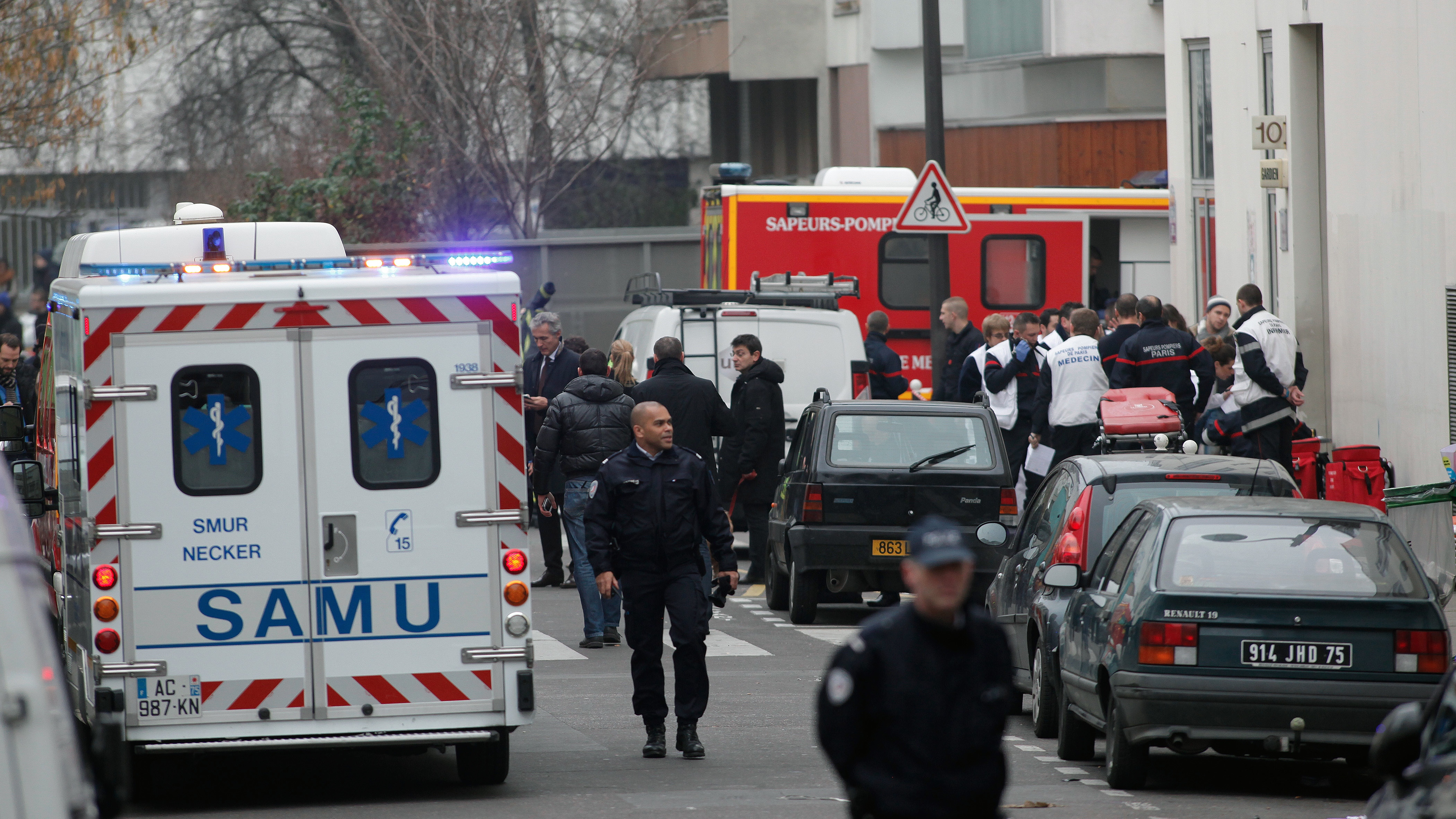 Paris Terrorist Attack Leads News Coverage In U S Europe Hollywood Reporter