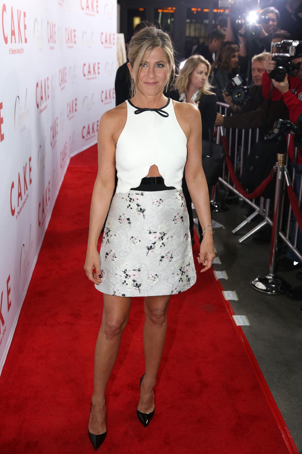 Jennifer Aniston Dress du Jour- P 2014