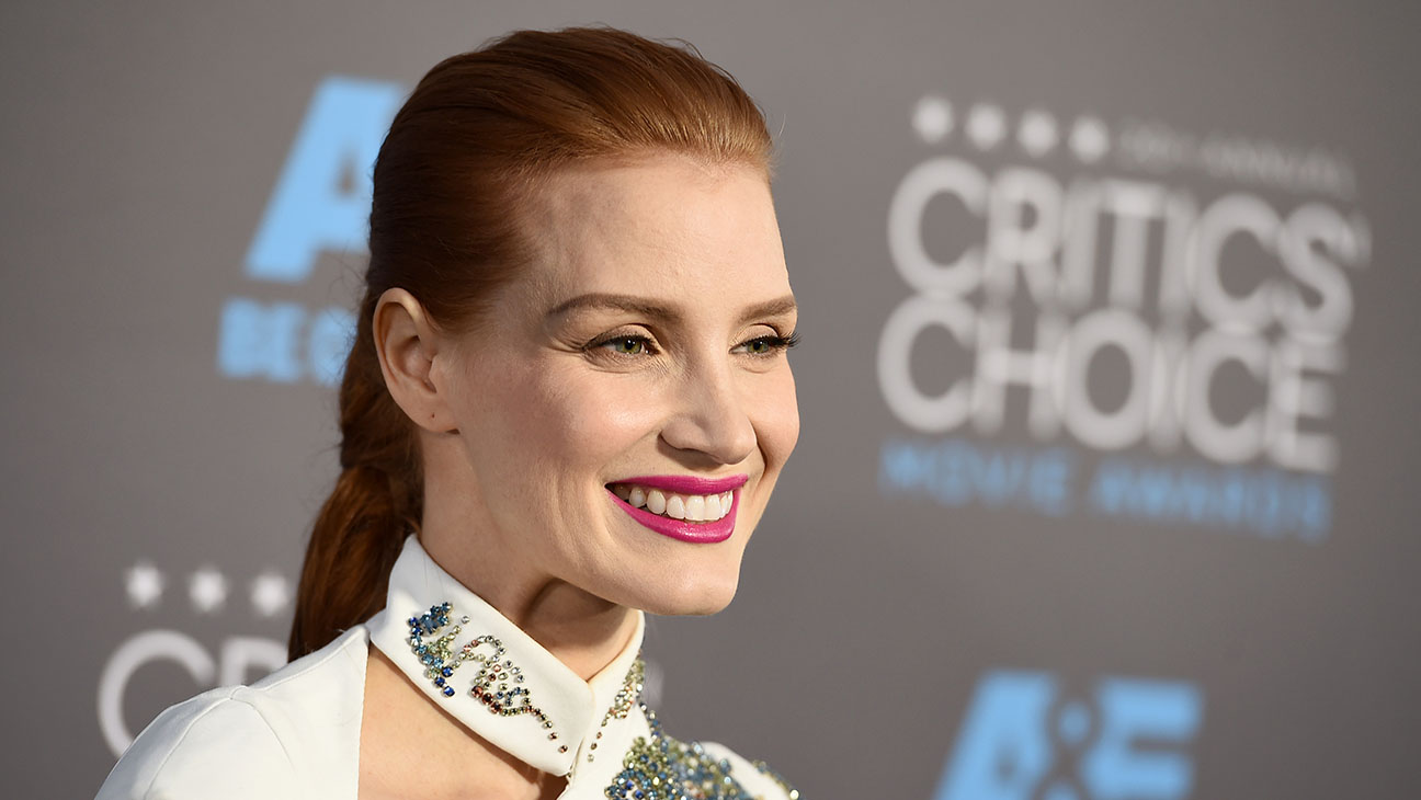 Jessica Chastain Pink Lips - H 2015