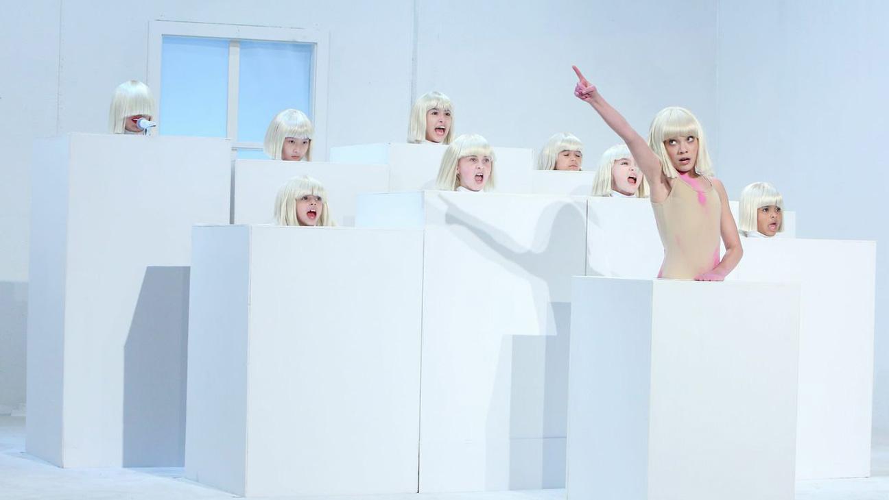 Sia Performance Ellen DeGeneres Show - H 2015