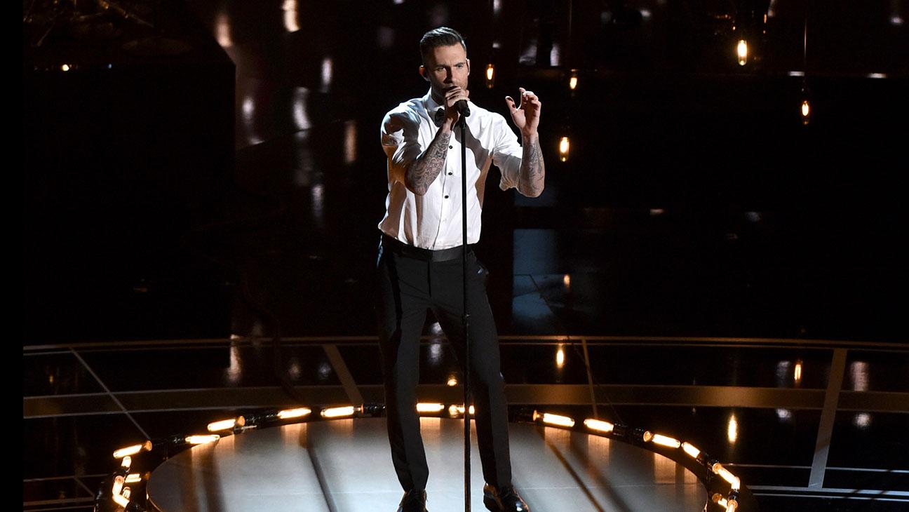 Adam Levine Performing Oscars - H 2015