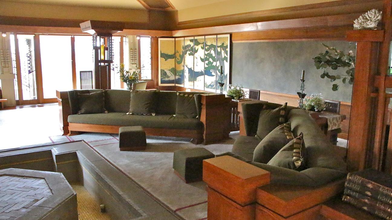 Frank Lloyd Wright's Hollyhock House - H 2015