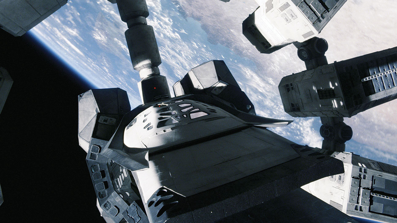 Oscars How Interstellar S Team Created A Realistic Looking Spaceship Hollywood Reporter
