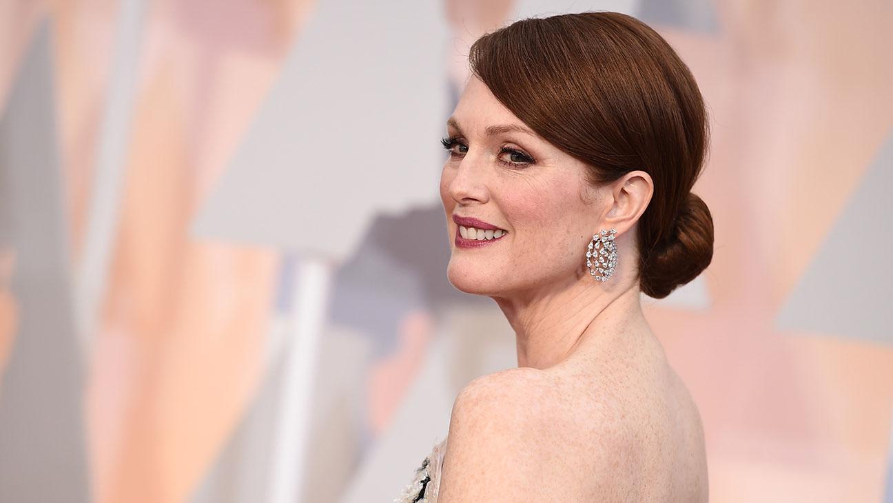 Julianne Moore Oscars - H 2015