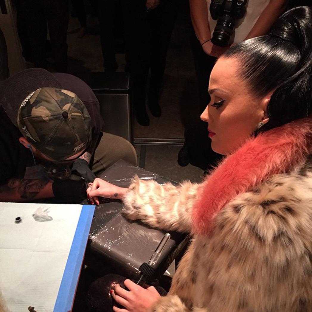 Katy Perry Tattoo - S 2015