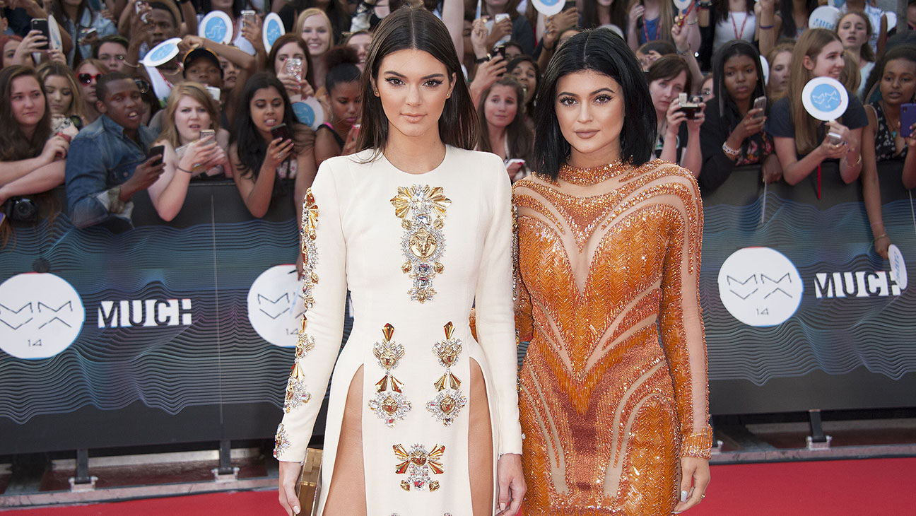 kendall and kylie jenner - H 2015