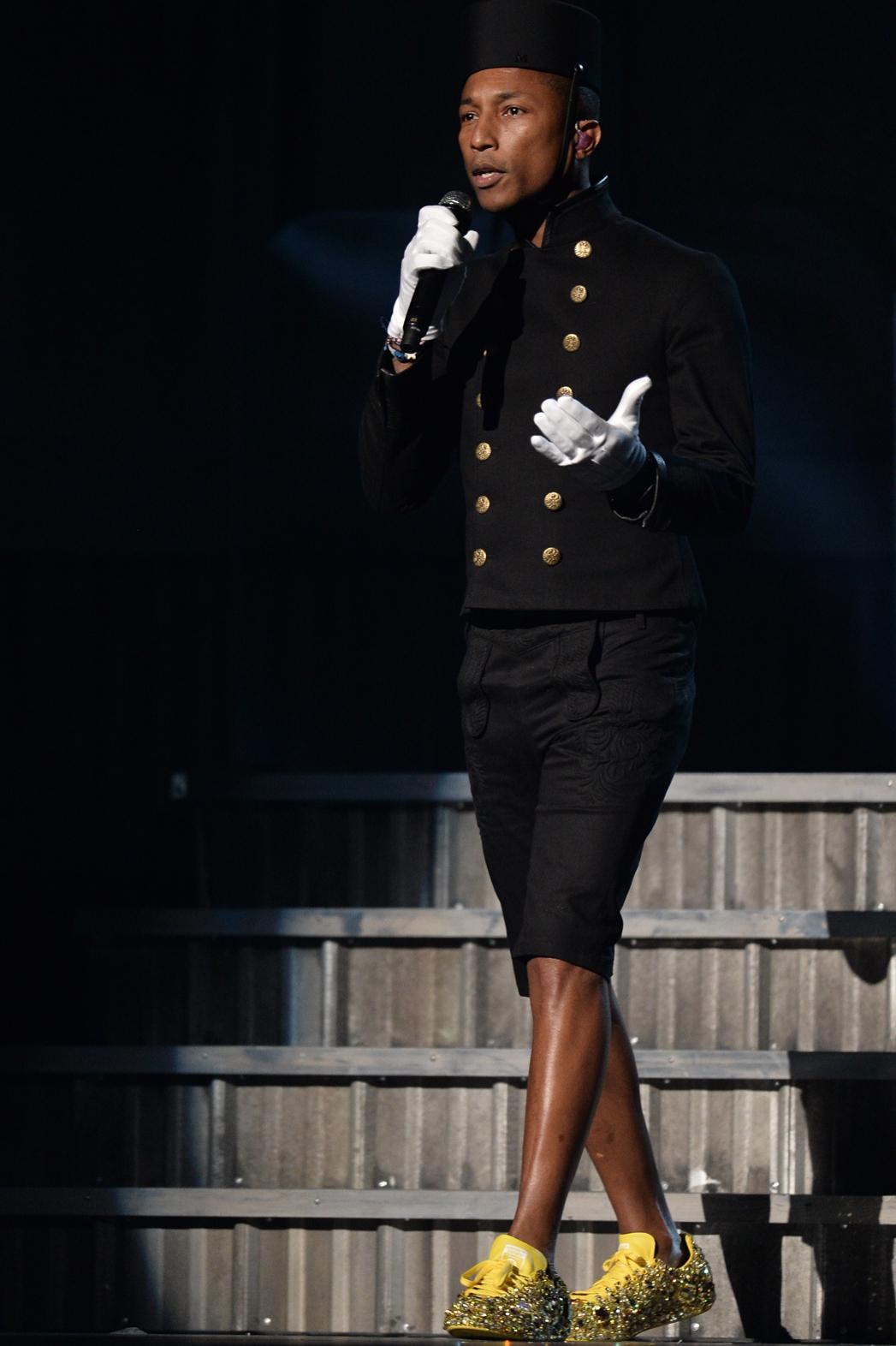 Pharrell Grammys Performance - P 2015