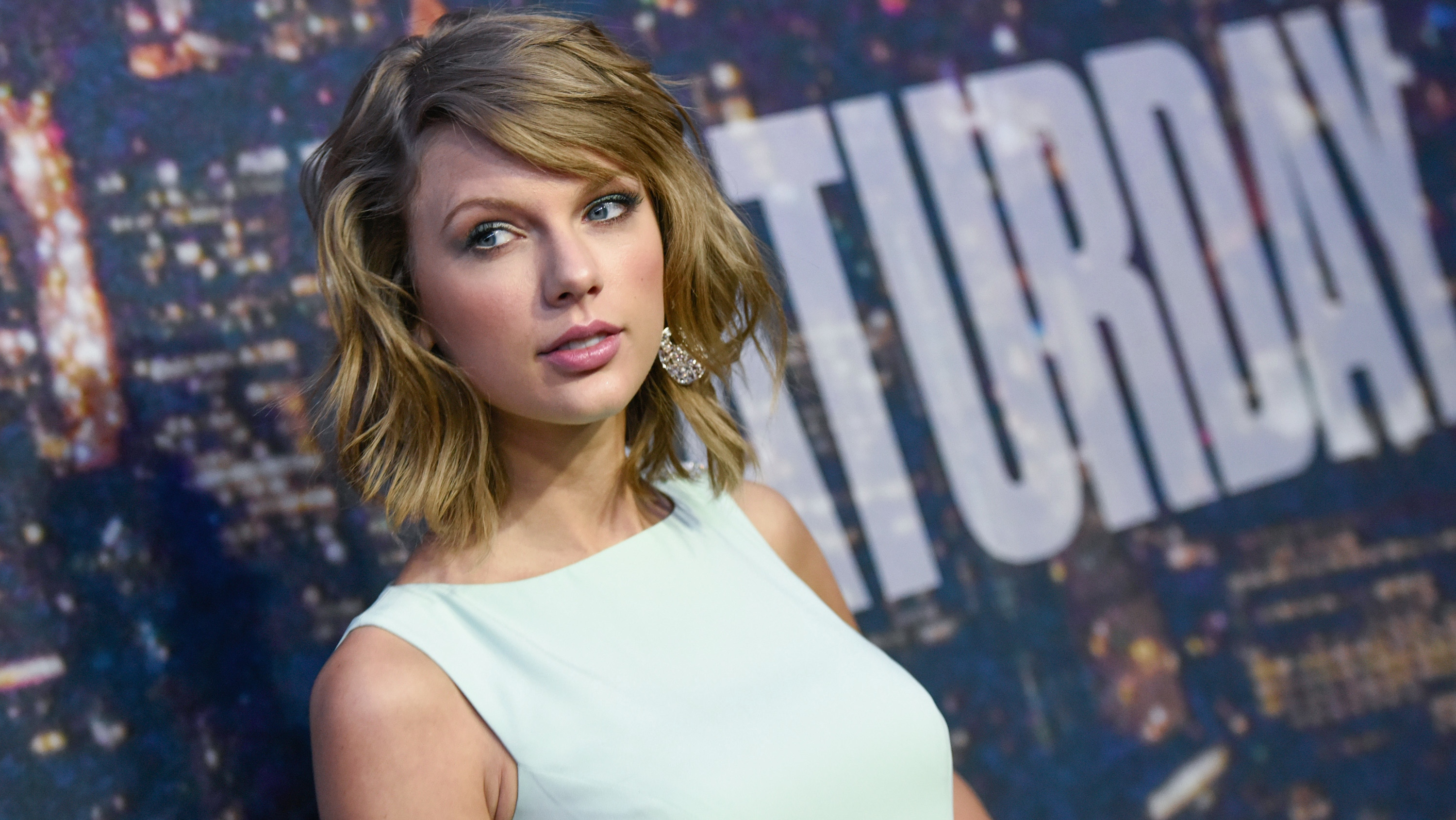 Taylor Swift at the 'SNL' 40th Anniversary Special - H 2015