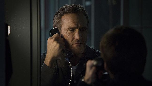 The Flash S01E01 John Wesley Shipp Still - H 2015