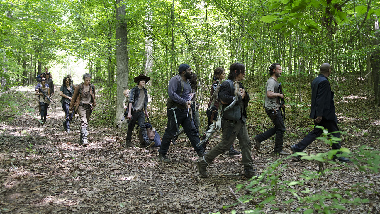The Walking Dead S05E02 Group Still - H 2015