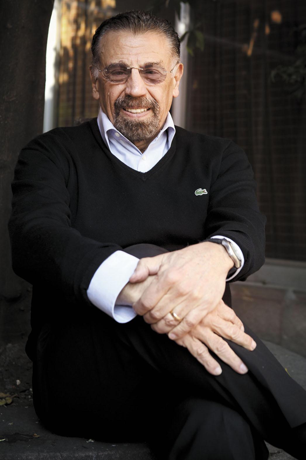Alfonso Arau -- H
