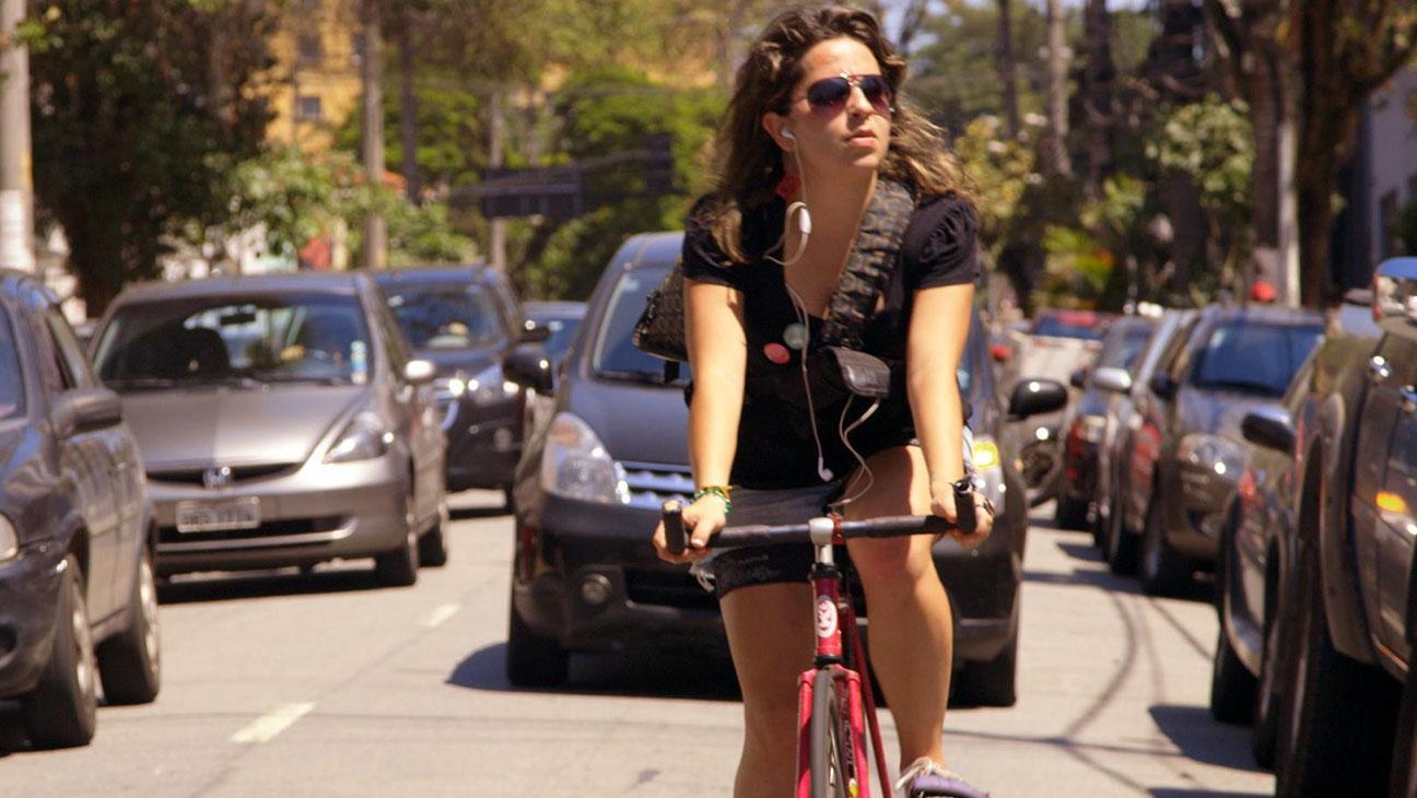 Bikes vs Cars Still - H 2015