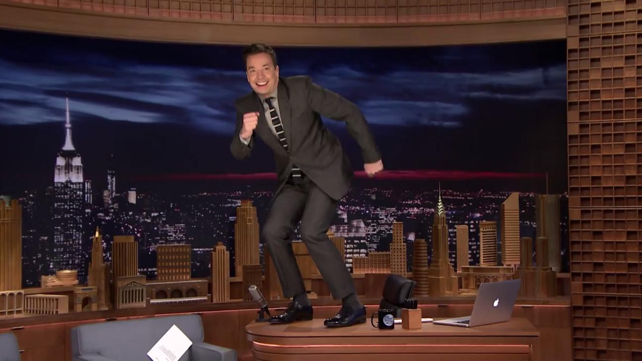 Jimmy Fallon Dances on Desk - H 2015