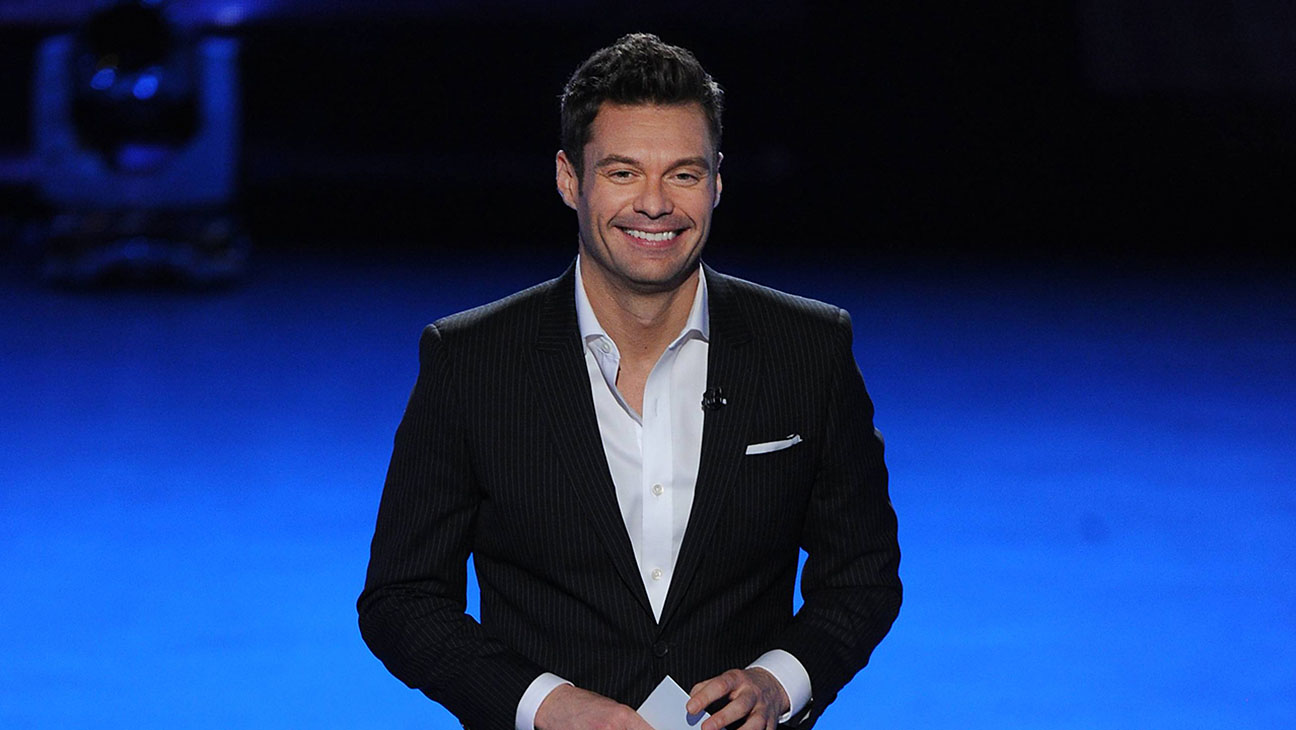 Ryan Seacrest American Idol Top 12 Perform - H 2015