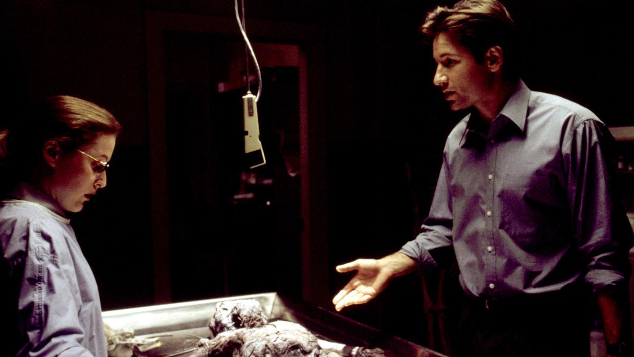 X-Files Season 1 Pilot Still - H 2015