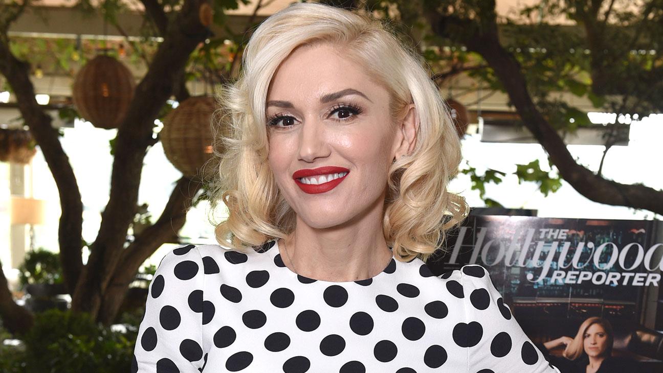 Gwen Stefani Red Lips - H 2015