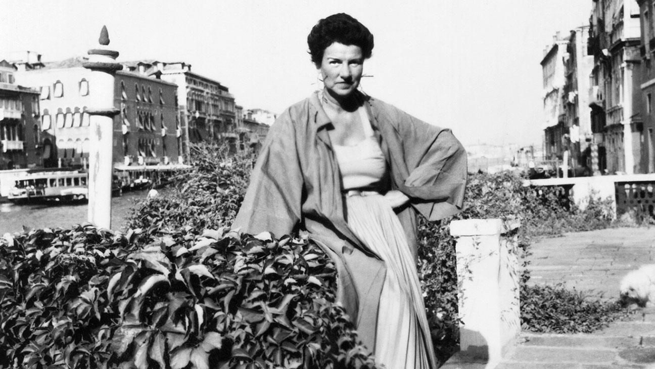 Peggy Guggenheim: Art Addict Still - H 2015