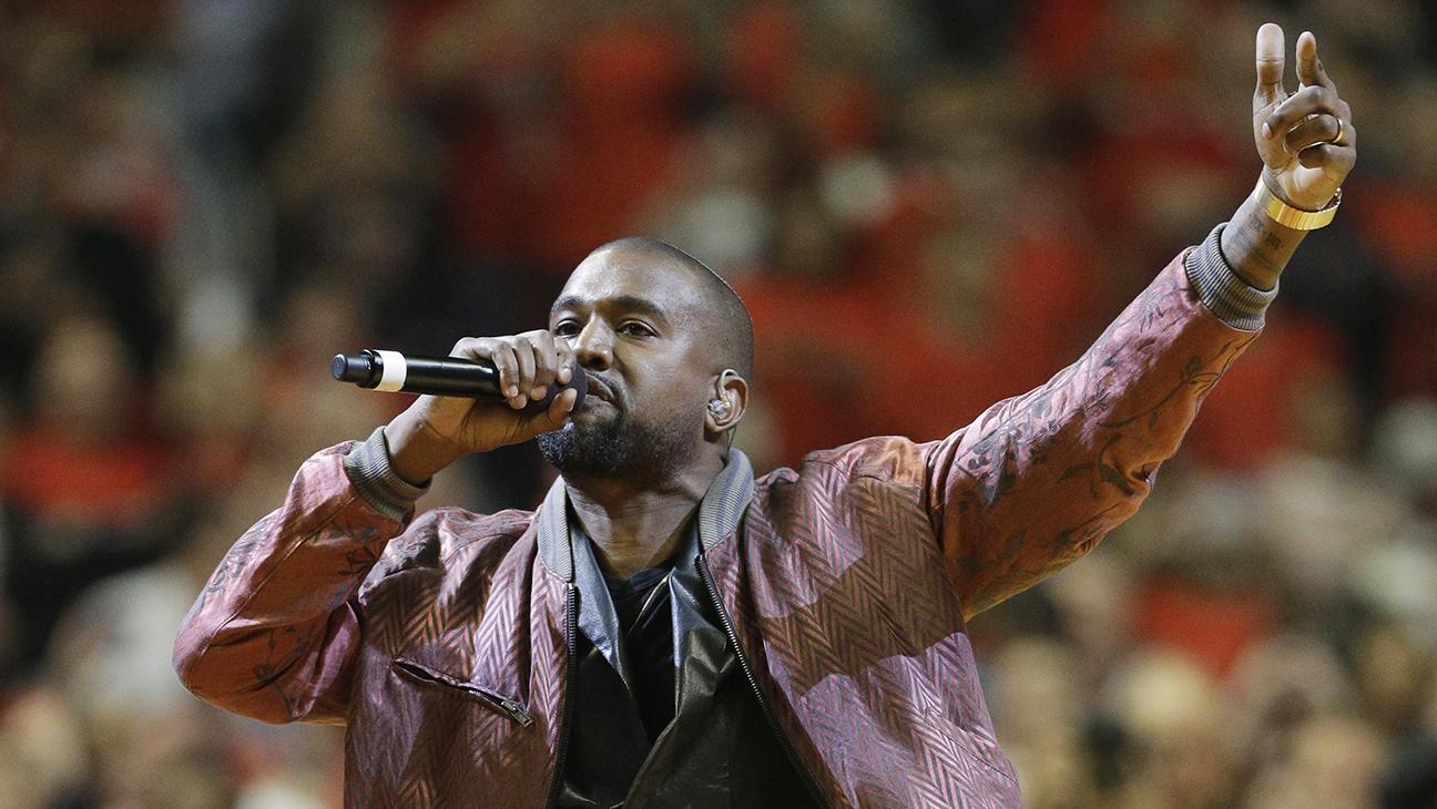 Kanye West NBA Performance H 2015
