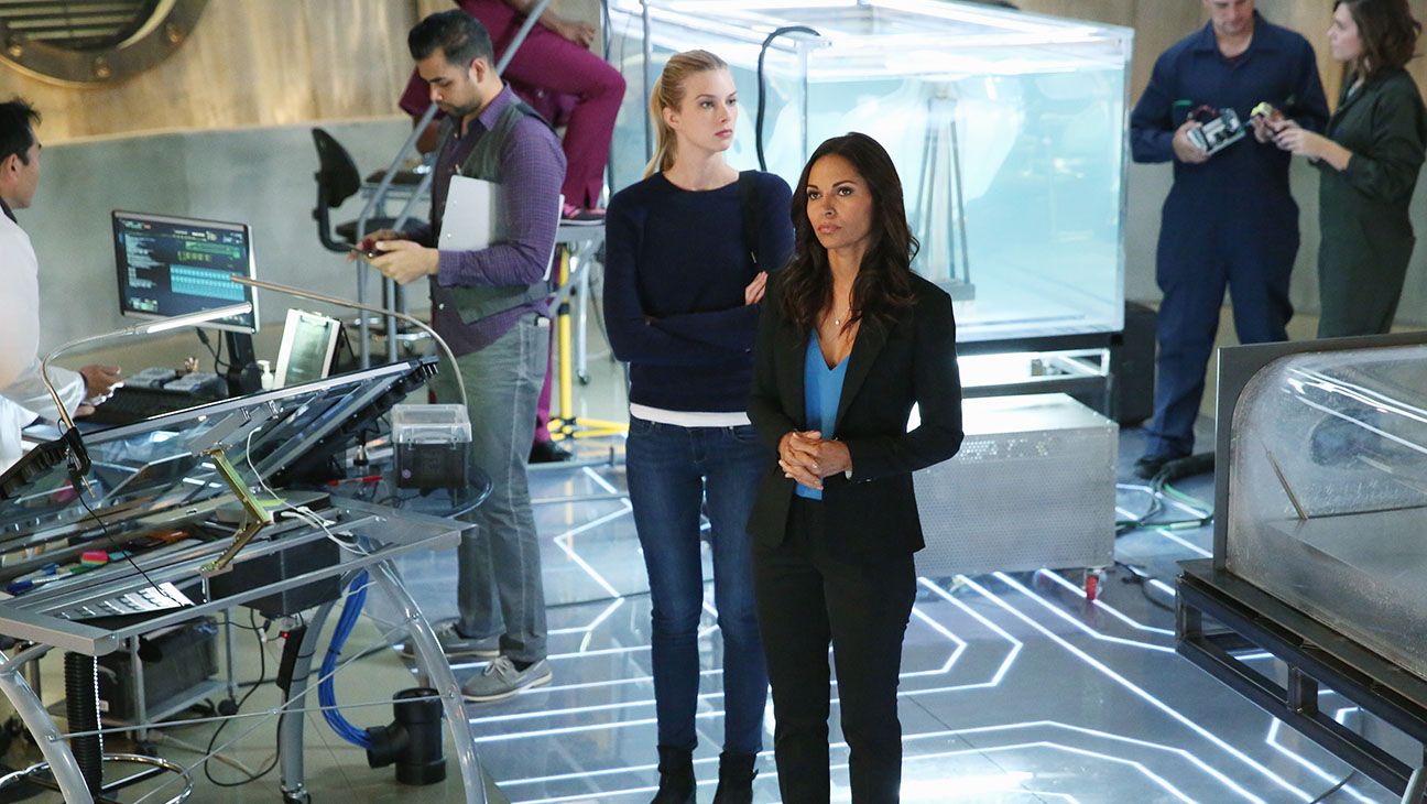 Stitchers S01E01 Still - H 2015