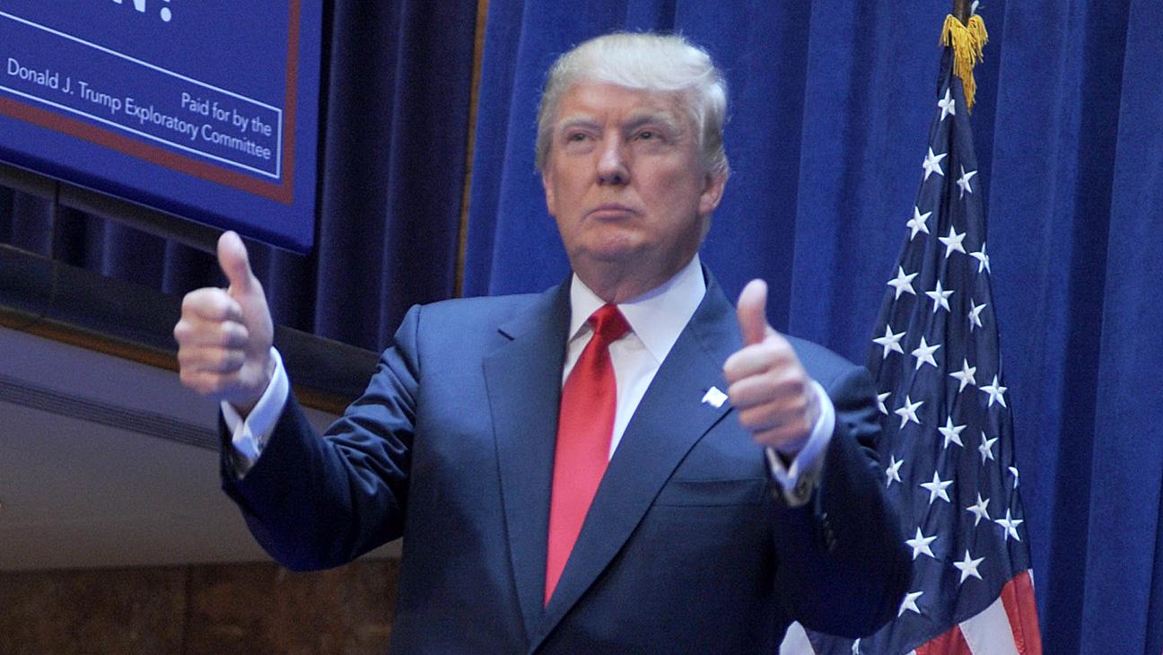 Donald Trump Thumbs Up - H 2015