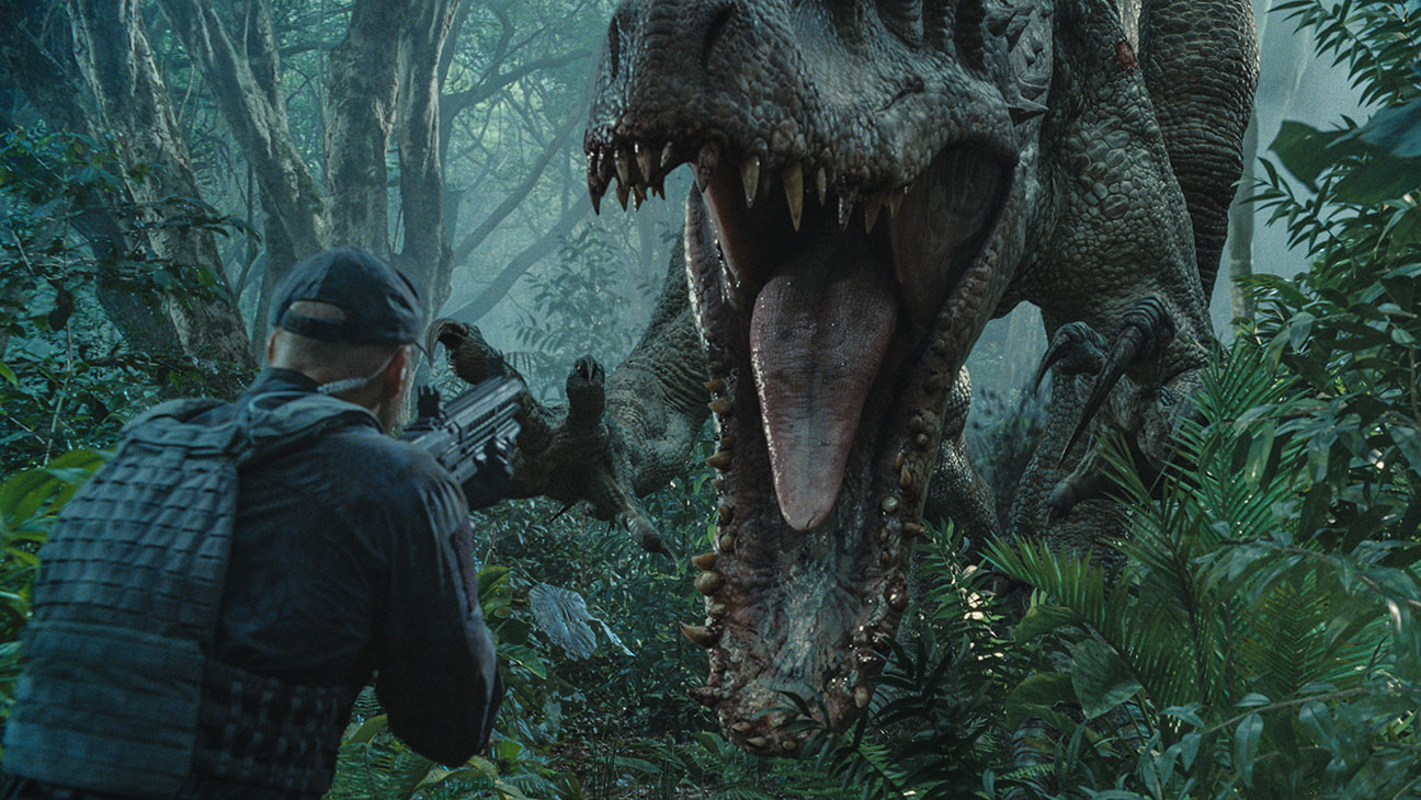 Jurassic World Still 1 - H 2015