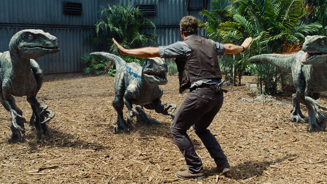 Jurassic World Still 2 - H 2015