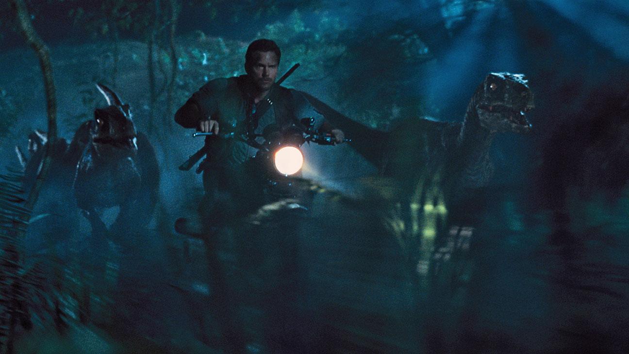 Jurassic World Still 3 - H 2015
