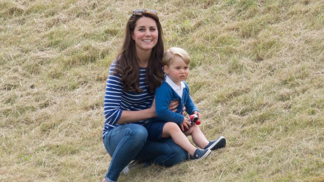 Kate Middleton, Prince George Grass - H 2015