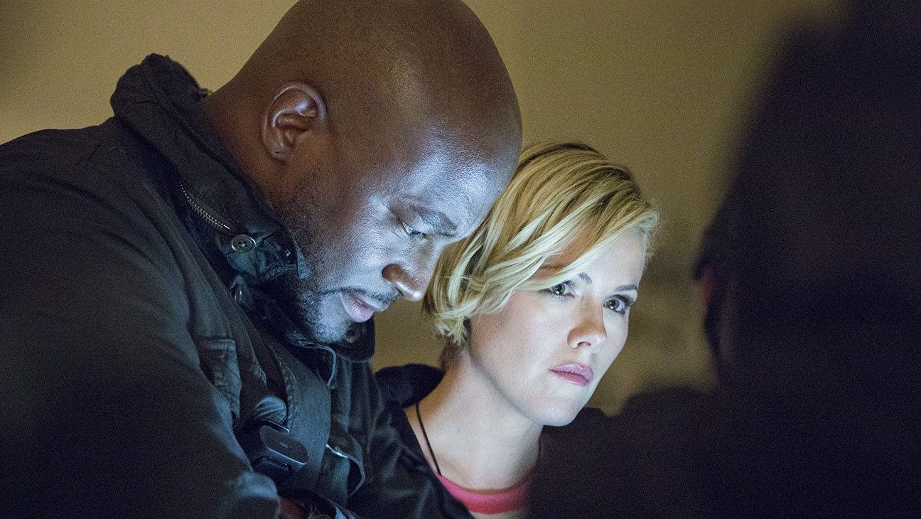 Murder in the First S02E02 Taye Diggs Kathleen Robertson Still - H 2015
