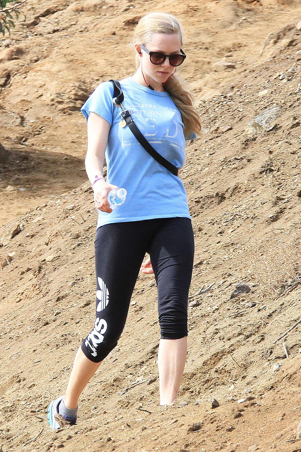 Amanda Seyfried Runyon Canyon - P 2015