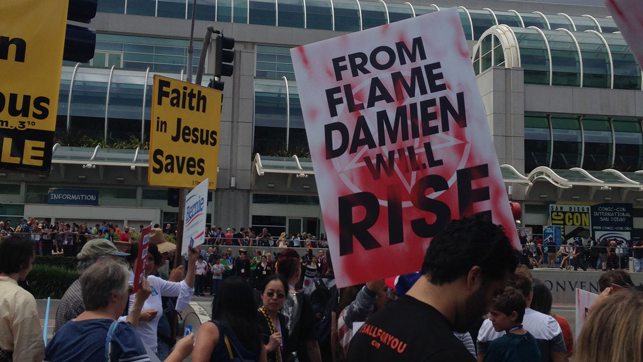 Damien Show Posters at 2015 Comic Con - H 2015