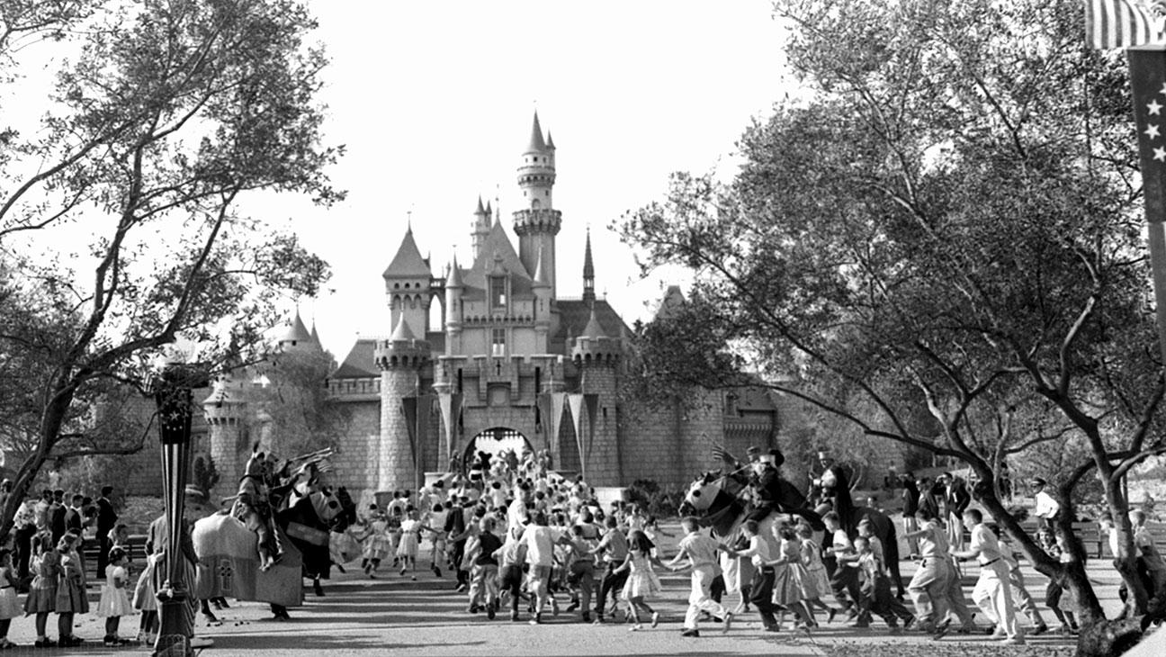 Disneyland, Opening Day 1955 - H 2015
