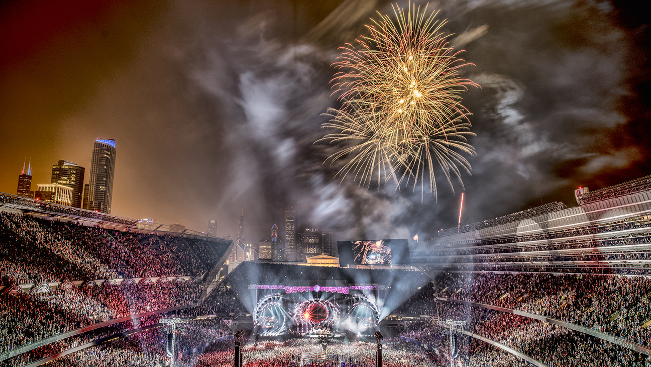 Grateful Dead Chicago Fare Thee Well Night 2 - H 2015