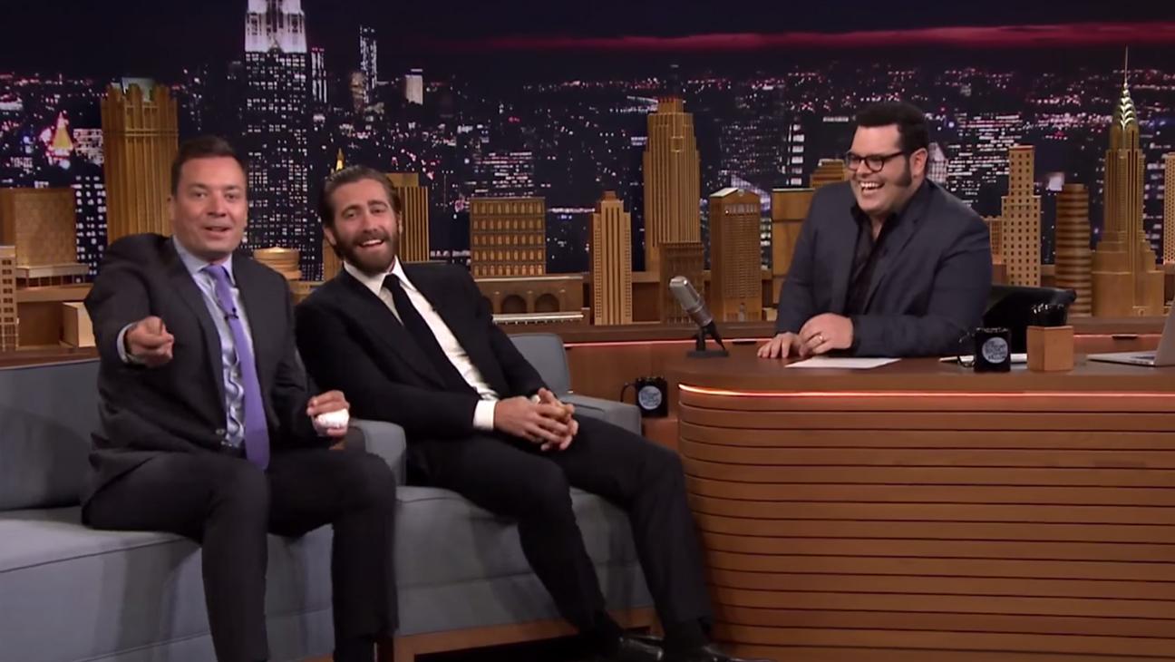 Josh Gad Jake Gyllenhaal Tonight Show H 2015