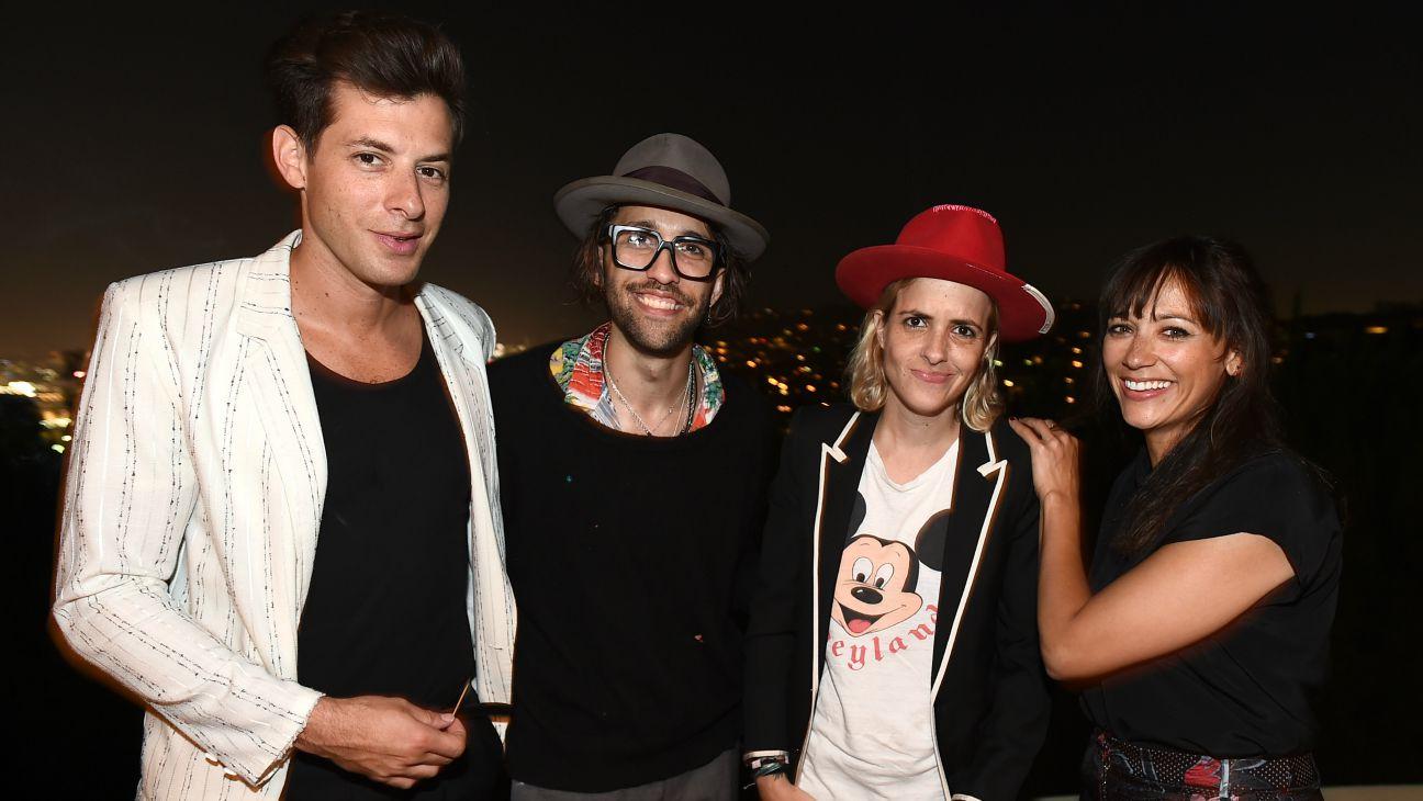 Billboard Men of Style - H 2015
