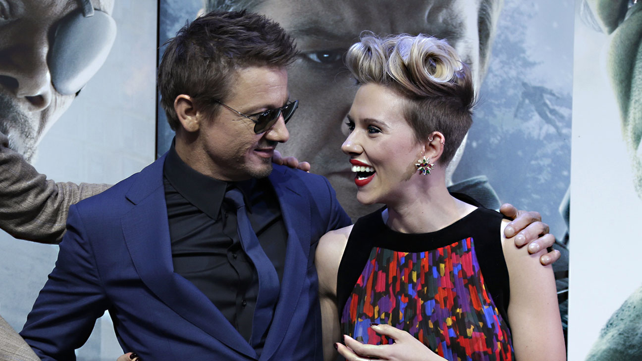 Jeremy Renner Scarlett Johansson - H 2015