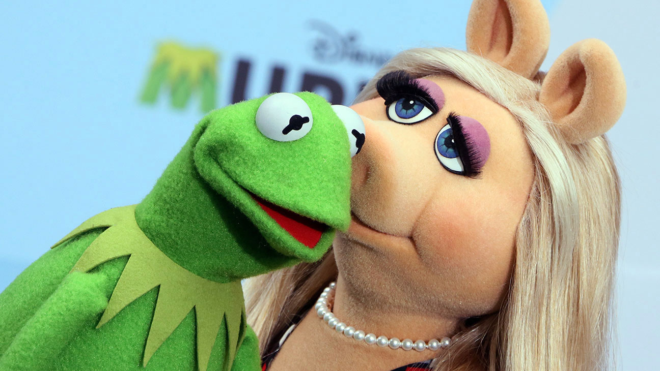 Miss Piggy and Kermit the Frog - H 2015