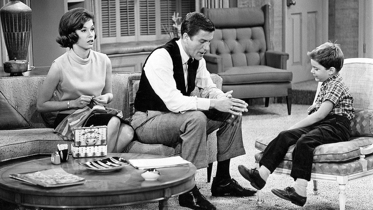 The Dick Van Dyke Show S01 Still - H 2015