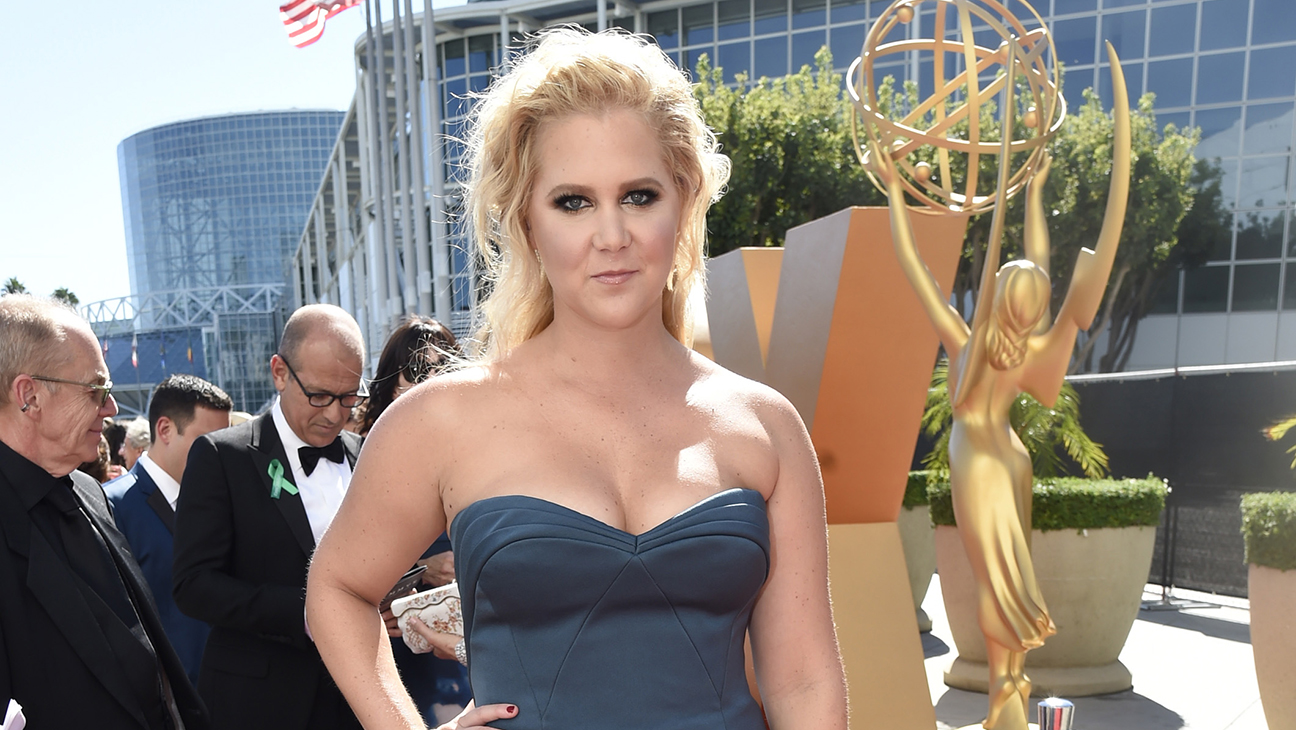 Amy Schumer Emmys Arrival -  H 2015