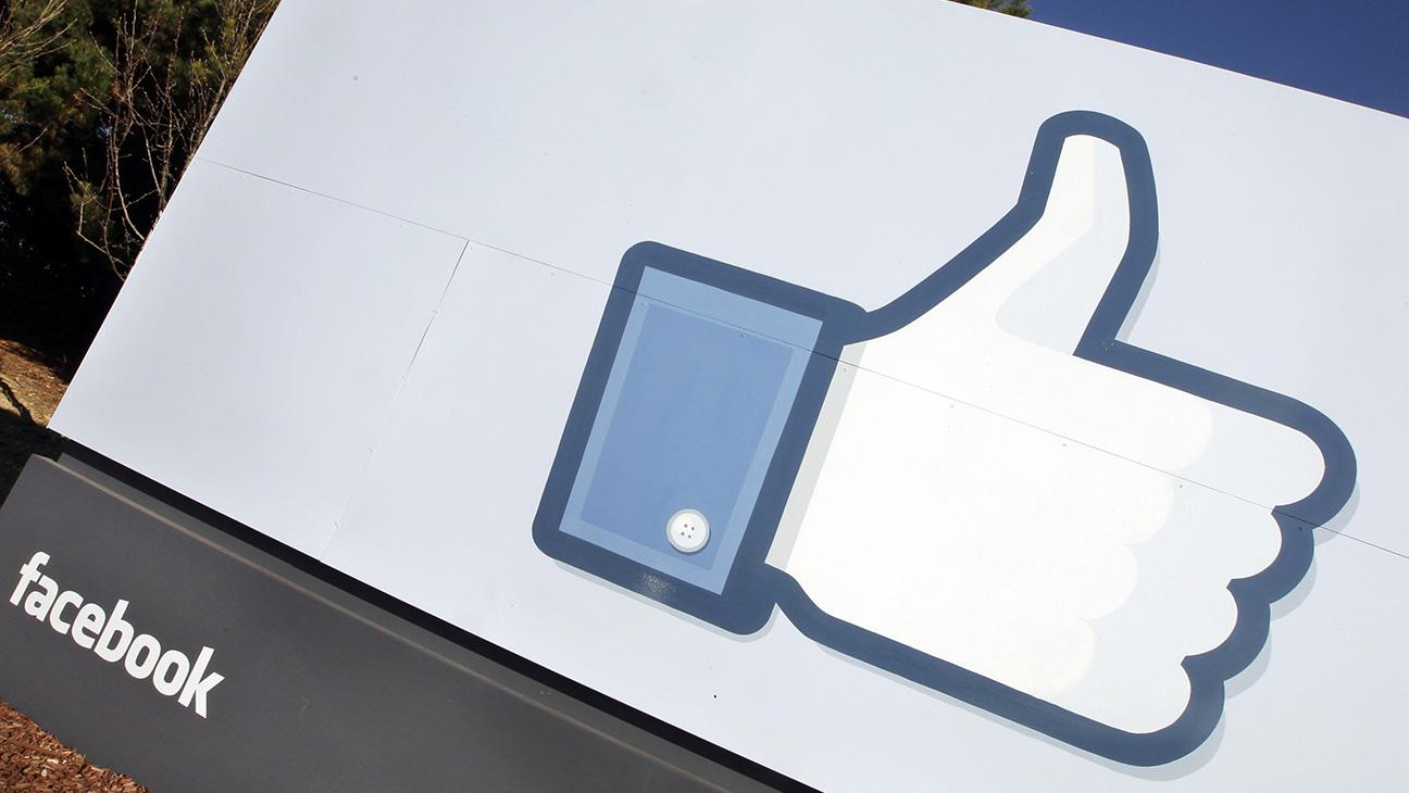 Facebook Thumbs UP - H 2015